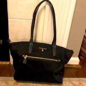 Michael Kors Nulon Kelsey Bag Black with gold